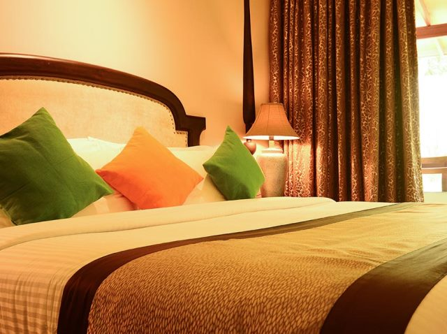 hotel hot deal Earls Regent Kandy